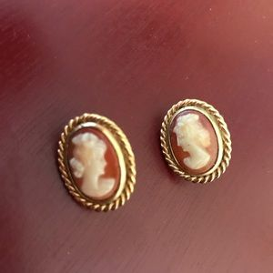 Cellini vintage gold cameo pierced earrings